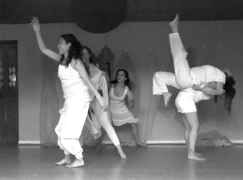 pilates santiago personas bailando